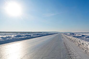 Ice road on the frozen Lena river, Road of Bones, Sakha Republic (Yakutia), Russia, Eurasia