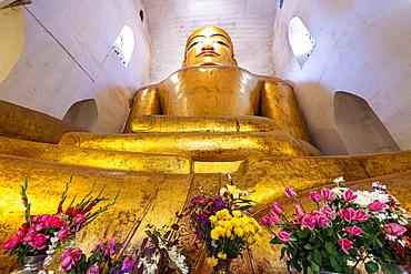 Sitting Buddha in the Manuha Temple, Bagan (Pagan), Myanmar (Burma), Asia