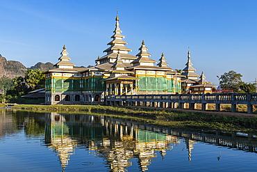 Monastery in an artifical lake, Kyauk Kalap, Hpa-An, Kayin state, Myanmar (Burma), Asia
