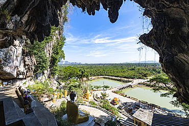 Cave filled with buddhas, Yathaypyan Cave, Hpa-An, Kayin state, Myanmar (Burma), Asia