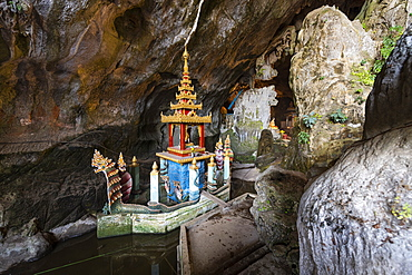 Cave filled with buddhas, Saddan Cave, Hpa-An, Kayin state, Myanmar (Burma), Asia
