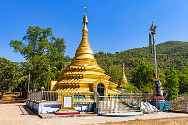 Golden stupa, Win Sein Taw Ya outside Mawlamyine, Mon state, Myanmar (Burma), Asia
