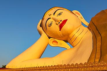 Large reclining Buddha, Ko Yin Lay, Ye, Mon state, Myanmar (Burma), Asia