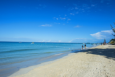 Turquoise water on a white sand beach, Montego Bay, Jamaica, West Indies, Caribbean, Central America