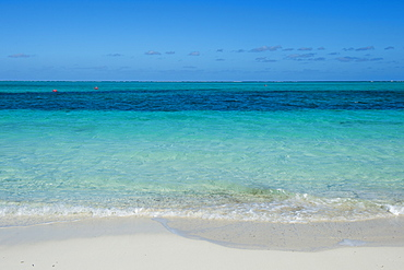 White sand and turquoise water on world famous Grace Bay beach, Providenciales, Turks and Caicos, Caribbean, Central America