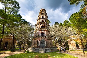 Pagoda of the Celestial Lady (Thien Mu Pagoda), Hue, UNESCO World Heritage Site, Vietnam, Indochina, Southeast Asia, Asia