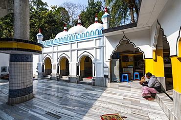 Hazrat Shah Jalal Mosque and tomb, Sylhet, Bangladesh, Asia