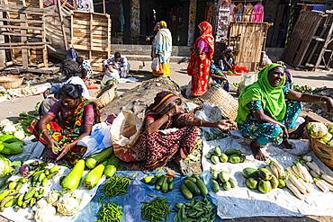 Woman selling vegetables, Vegetable market, Kawran Bazar, Dhaka, Bangladesh, Asia