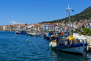 Fishing harbour, Samos town, Samos, Greek Islands, Greece, Europe
