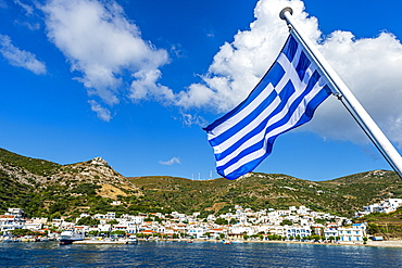 Greek flag in the Port of Kampi, Fourni (Fournoi), Greek Islands, Greece, Europe