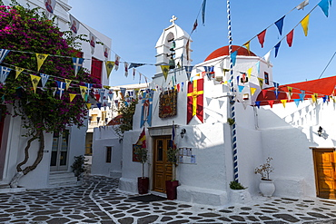 The white washed old town of Horta, Mykonos, Cyclades, Greek Islands, Greece, Europe