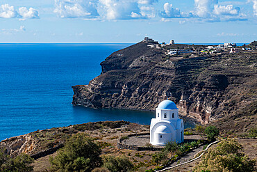 Little chapel on the south coast of Santorini, Greece
