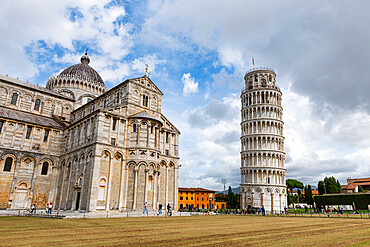 Piazza del Duomo with cathedral and leaning tower, Unesco world heritage site Pisa, Italy