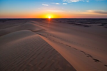 Sunset over the sand dunes, Djado Plateau, Sahara, Niger, Africa