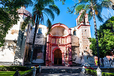 Cathedral of Cuernavaca, Unesco site Earliest 16th-century monasteries on the slopes of Popocatépetl, Mexico