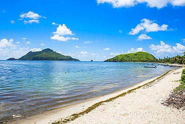 White sand beach on Yanuya Island, Mamanuca Islands, Fiji, South Pacific