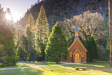 Yosemite Valley Chapel, Yosemite National Park, UNESCO World Heritage Site, California, United States of America, North America
