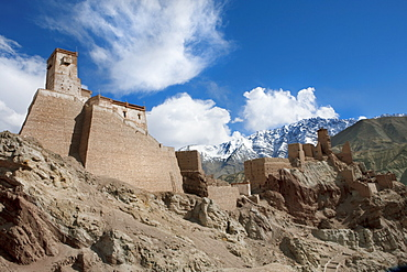 The restoration of the citadel and temples of Basgo, perched on an eroded hillside, an example of a successful restoration project, Ladakh, India, Asia