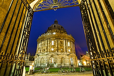 Radcliffe Camera at night, Oxford, Oxfordshire, England, United Kingdom, Europe