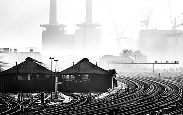 Battersea Power Station in the fog, Battersea, London, England, United Kingdom, Europe