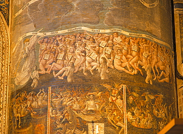 Part of huge mural of the Last Judgement, believed to be by Flemish artists dating from the late 15th century, in the nave of Ste. Cecile Cathedral, Albi, Midi-Pyrenees, France, Europe