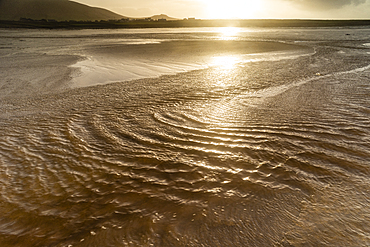 Strong winds across Ferriter's Cove beach, Dingle Peninsula, County Kerry, Munster, Republic of Ireland, Europe