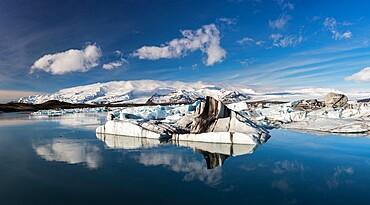 Jokulsarlon glacial lagoon, eastern Iceland, Polar Regions