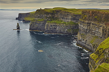 The Cliffs of Moher, near Lahinch, County Clare, Munster, Republic of Ireland, Europe