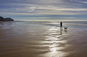 A scene on the beach at Charmouth, Jurassic Coast, UNESCO World Heritage Site, Dorset, England, United Kingdom, Europe