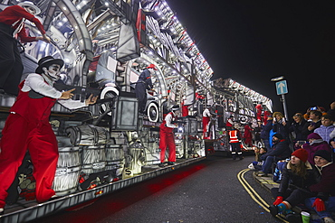 A spectacular float at the amazing Bridgwater Carnival, held in Bridgwater annually in early November, Somerset, England, United Kingdom, Europe