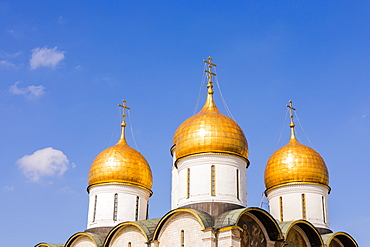 The domes of the The Cathedral of the Annunciation inside the Kremlin, UNESCO World Heritage Site, Moscow, Russia, Europe