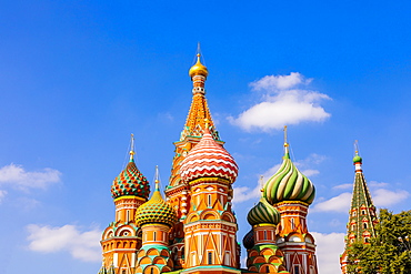 The Cathedral of Vasily the Blessed (St. Basil's Cathedral), Red Square, UNESCO World Heritage Site, Moscow, Russia, Europe