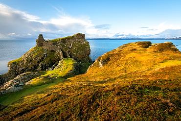 Dunscaith Castle, Isle of Skye, Inner Hebrides, Scotland, United Kingdom, Europe