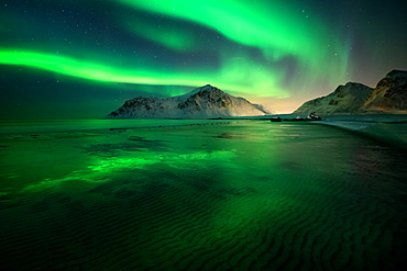 Aurora Borealis (Northern Lights) above Flakstad Beach, Lofoten Islands, Nordland, Norway, Europe