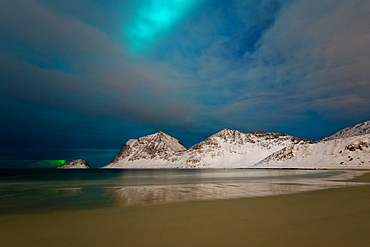 Aurora Borealis (Northern Lights) over Haukland beach, Lofoten Islands, Nordland, Arctic, Norway, Europe