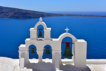 Oia Church overlooking the blue sea, Oia, Santorini, Cyclades, Aegean Islands, Greek Islands, Greece, Europe