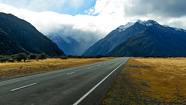 Road in Mount Cook National Park, UNESCO World Heritage Site, Canterbury, South Island, New Zealand, Pacific