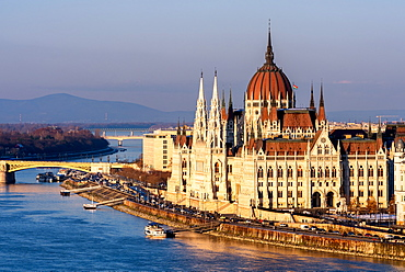 The Hungarian Parliament on the River Danube, UNESCO World Heritage Site, Budapest, Hungary, Europe