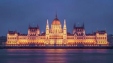 Hungarian Parliament at twilight, Budapest, Hungary, Europe