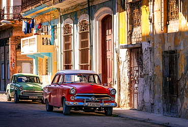 Classic Old Cars, Old Town, Havana, Cuba, West Indies, Caribbean, Central America