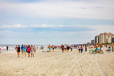 Crowded Jacksonville beach during the Covid-19 Pandemic, Florida, United States of America, North America