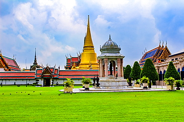 The Grand Palace and Wat Phra Kaew (Temple of the Emerald Buddha) complex, Bangkok, Thailand, Southeast Asia, Asia