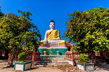 Angkor Ban temples and statues in Kampong Cham, Cambodia, Indochina, Southeast Asia, Asia