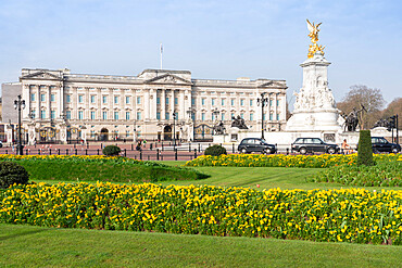Buckingham Palace and Victoria Memorial, London, England