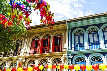 Restored and colourfully painted old shophouses in Chinatown, Singapore, Southeast Asia, Asia