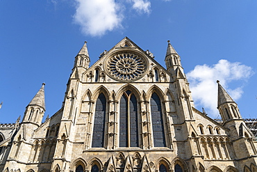 York Minster's Rose Window in the South Transept of the building commemorates the end of the War of the Roses in 1486, York, Yorkshire, England, United Kingdom, Europe