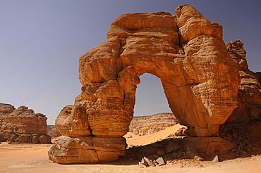 Forzhaga Natural Arch in Akakus Mountains, Sahara Desert, Libya, North Africa, Africa