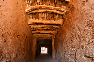 Passageway between two buildings in Taroudant, old Berber architecture, Taroudant, Morocco, North Africa, Africa