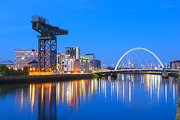 Finnieston Crane and Clyde Arc Bridge, River Clyde, Glasgow, Scotland, United Kingdom, Europe