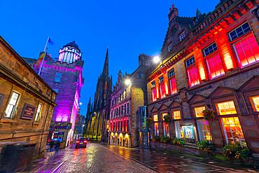 Castlehill at dusk, The Royal Mile, Old Town, Edinburgh, Scotland, United Kingdom, Europe